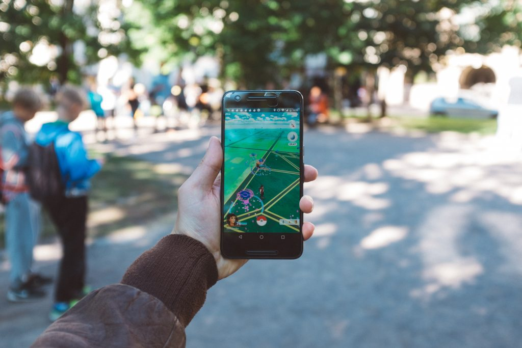 Pokémon GO als Beispiel für Etablierung von AR am App-Markt.